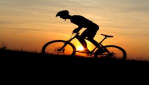 Mille chilometri in bicicletta per prendersi la laurea