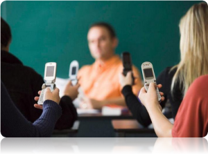 Cell Phones in Universities : Pros and Cons