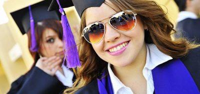 Seis chicas con las que saldrías en la Universidad