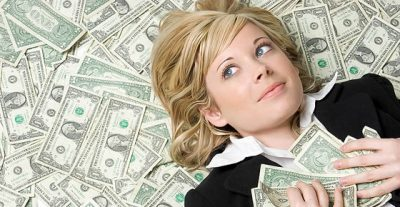 8 modos de ganar dinero siendo estudiante universitario
