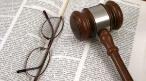 10 razloga da ne studirate ili studirate pravo