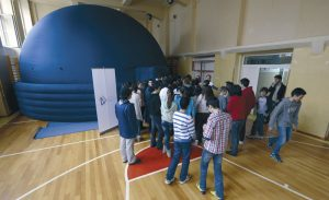 Mobilni planetarijum u skolama